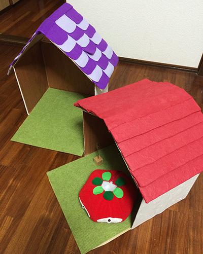 ダンボールで小さな家を作る